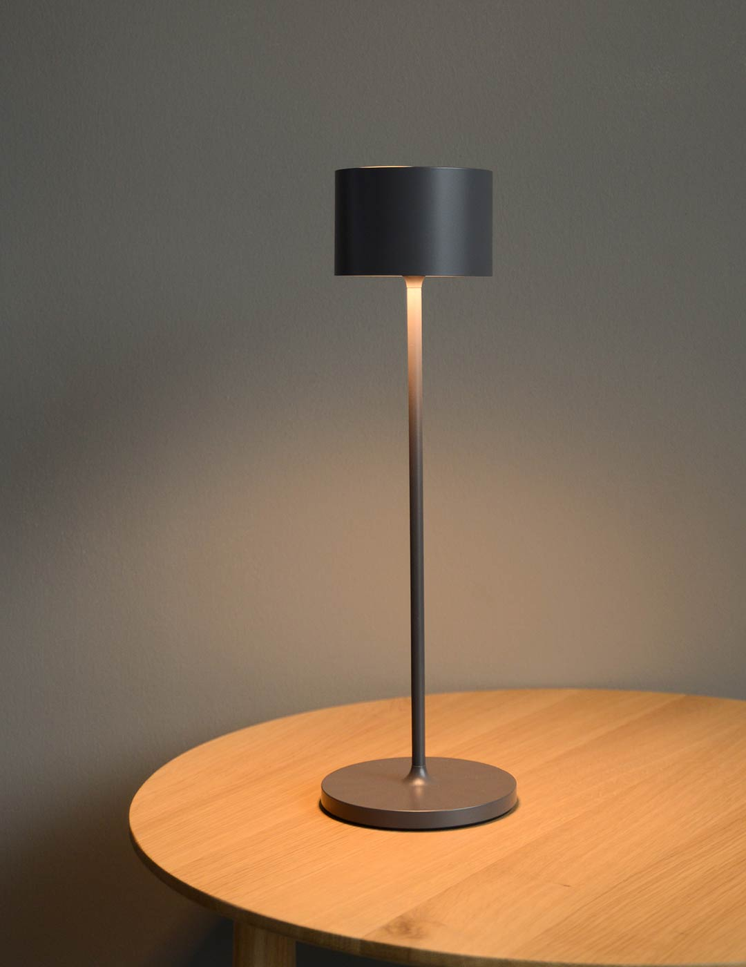 indoor outdoor chargeable table lamp