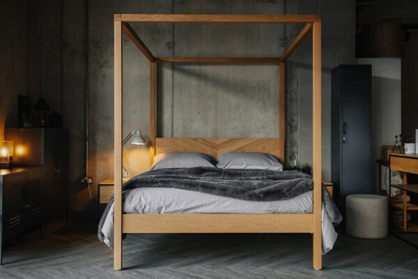 Keham 4 Poster bed in oak