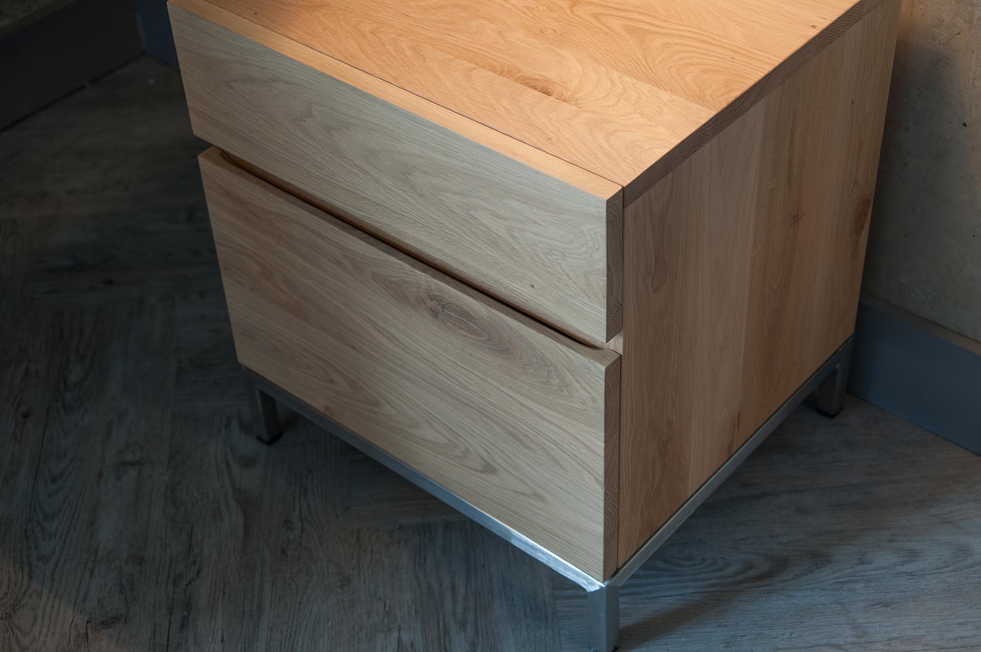 Ligna bedside cupboard