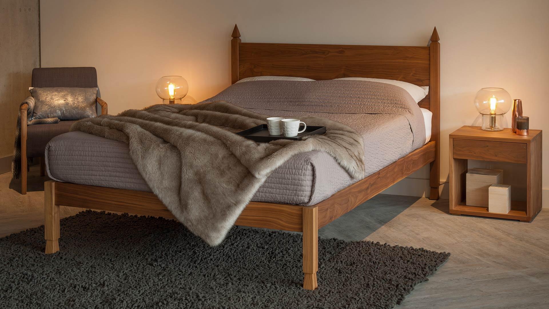 Sale-walnut-Samarkand-Indian-bed-3q