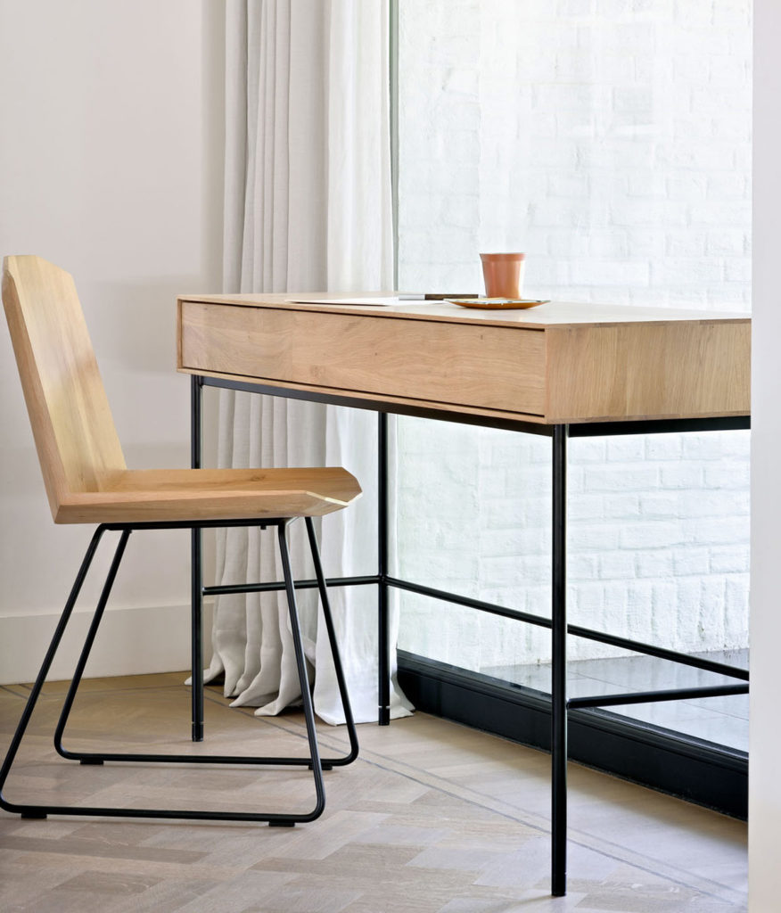 Oak-Facette-chair-&-Whitebird-desk