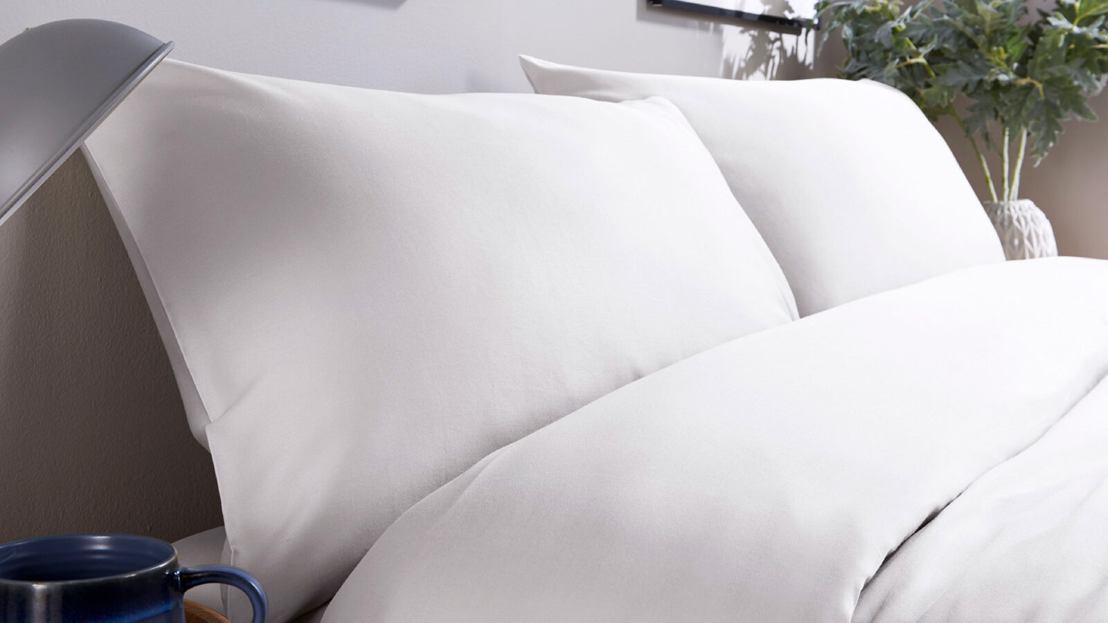 natural organic cotton bedding 300 thread count in white