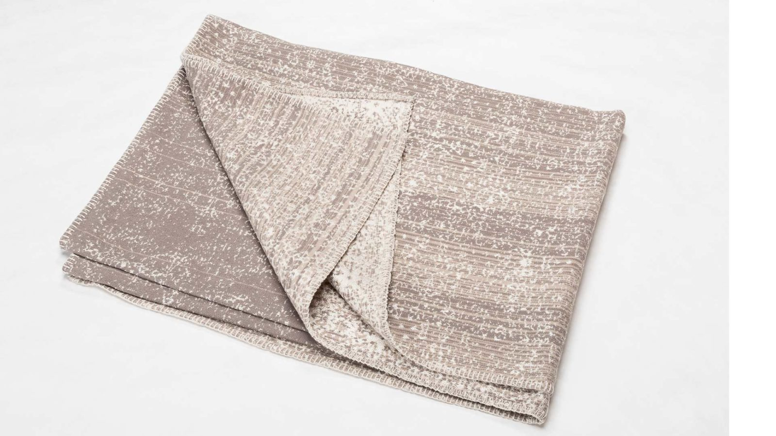 patina-cotton-rich blanket