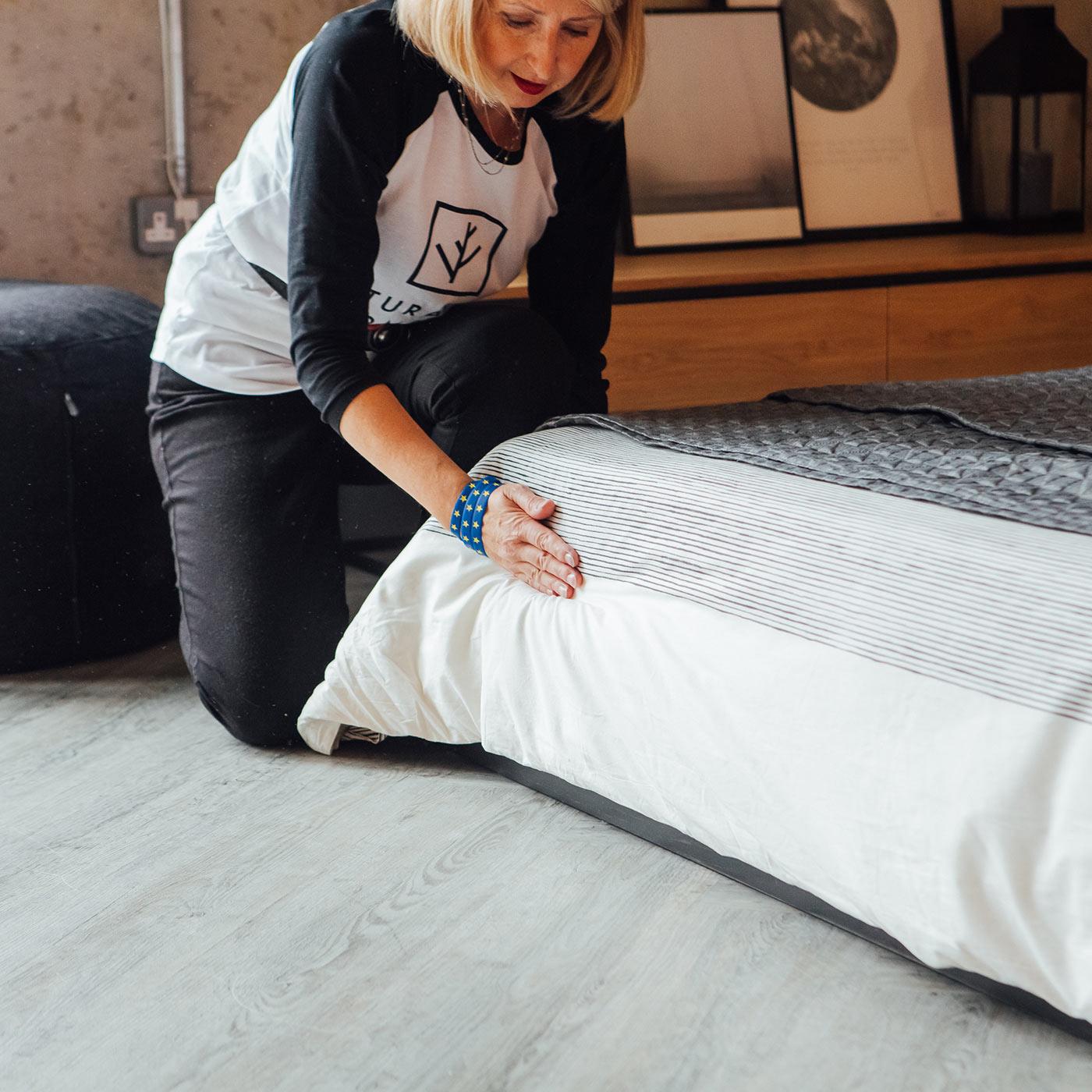 Paula-dressing-a-bed