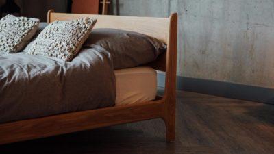 Pimlico-low-bed-in-solid-oak-headboard-detail-side