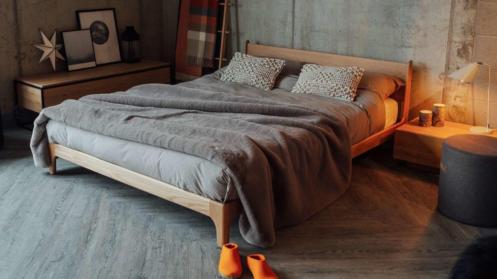 Pimlico-with-cement-grey-faux-fur-bedspread