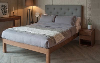 Skye 3Q walnut bed with tall buttoned headboard - roomset