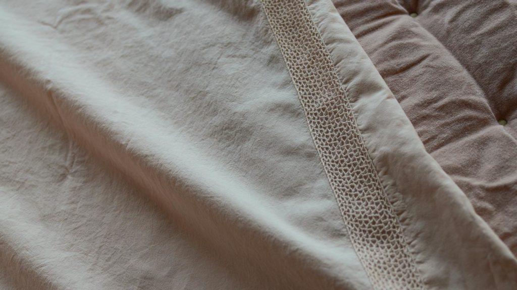 stonewashed-cotton-bedding pale plaster pink