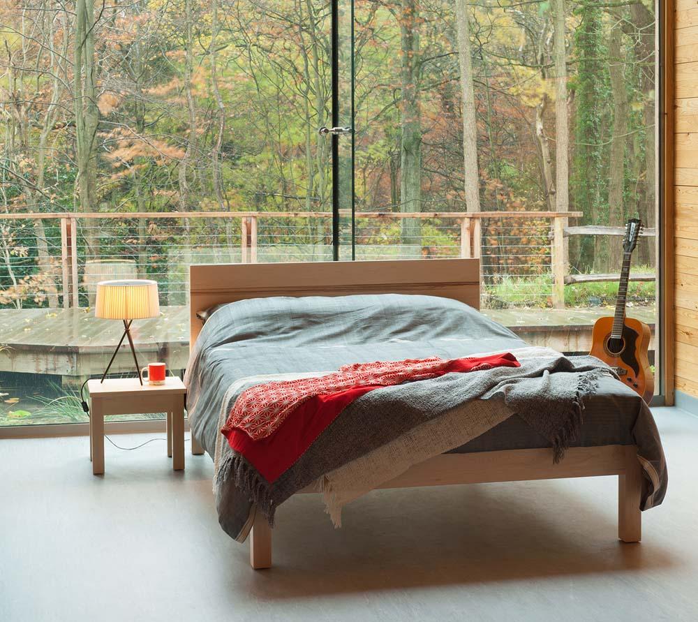 Rustic look Maple Tibet bed with Zebrano stripe