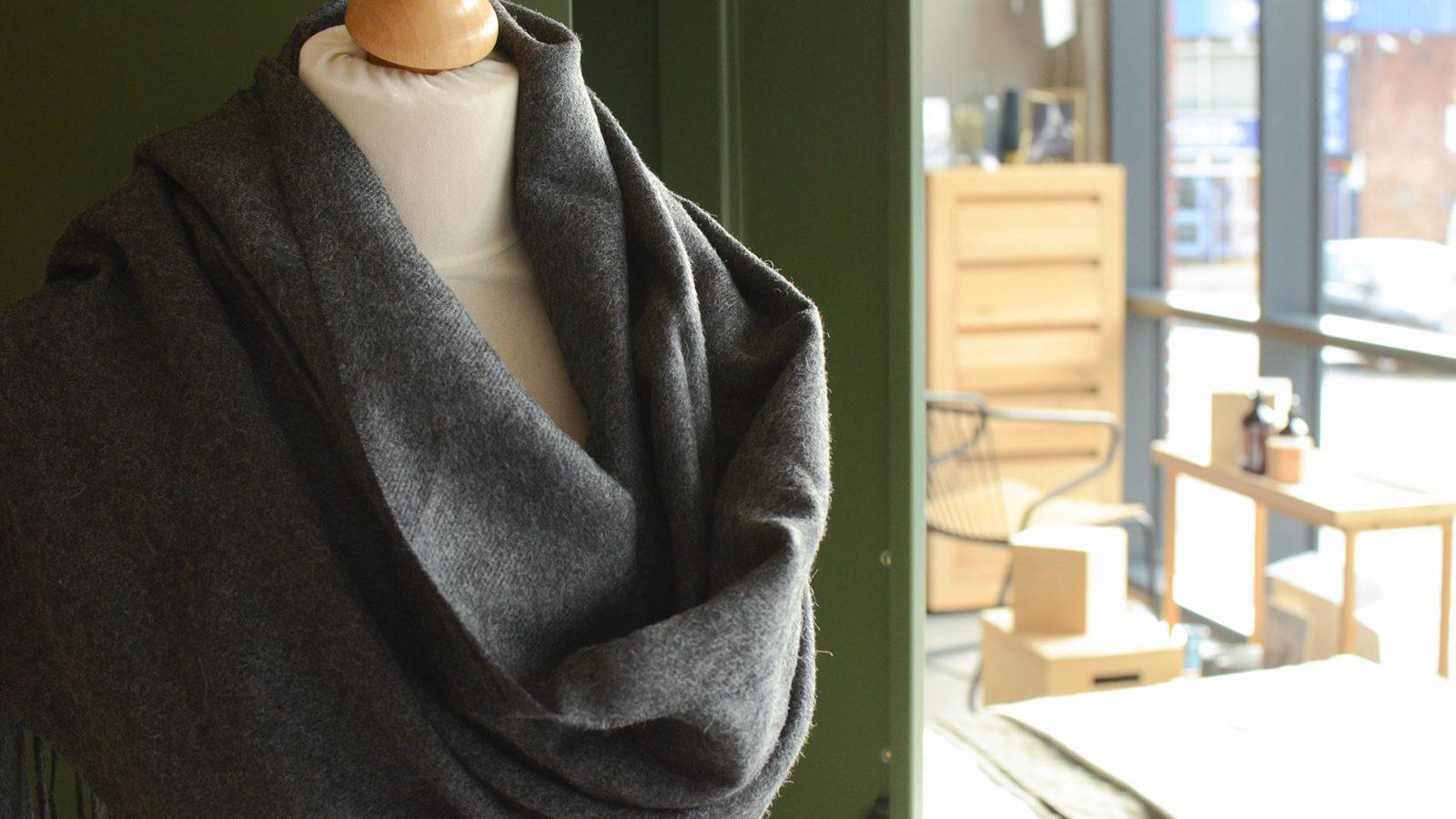 alpaca-scarf-charcoal