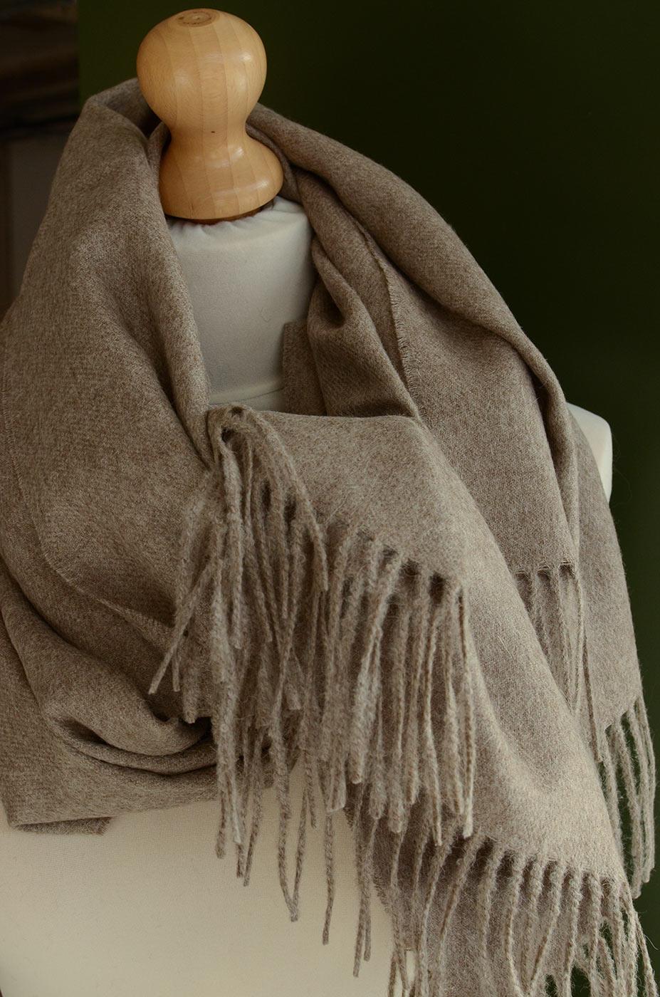 alpaca-scarf-natural-brown