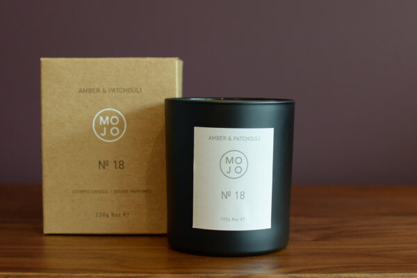 amber-&-patchouli-mojo-scented-candle
