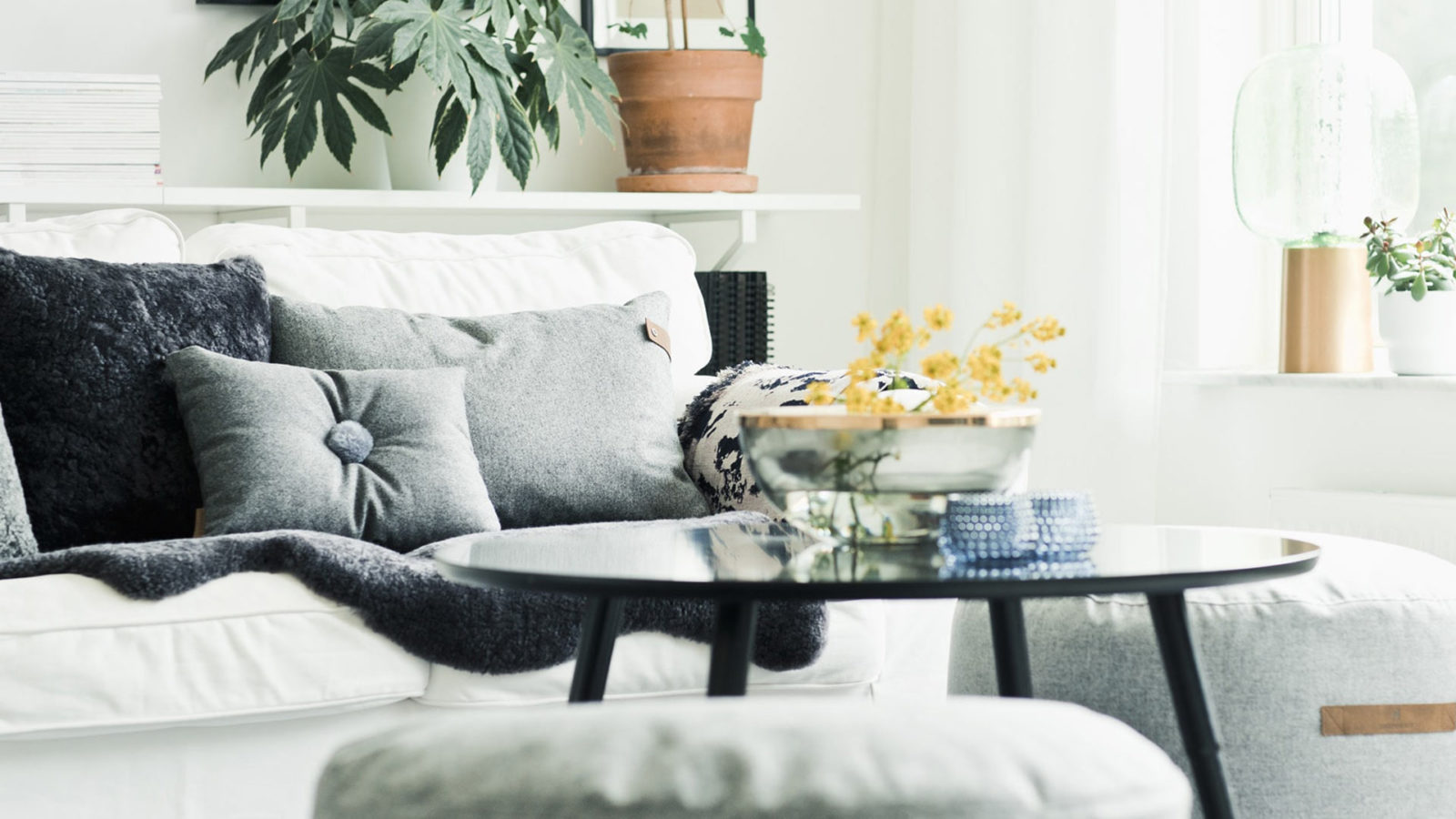 anita-wool-cushion-grey