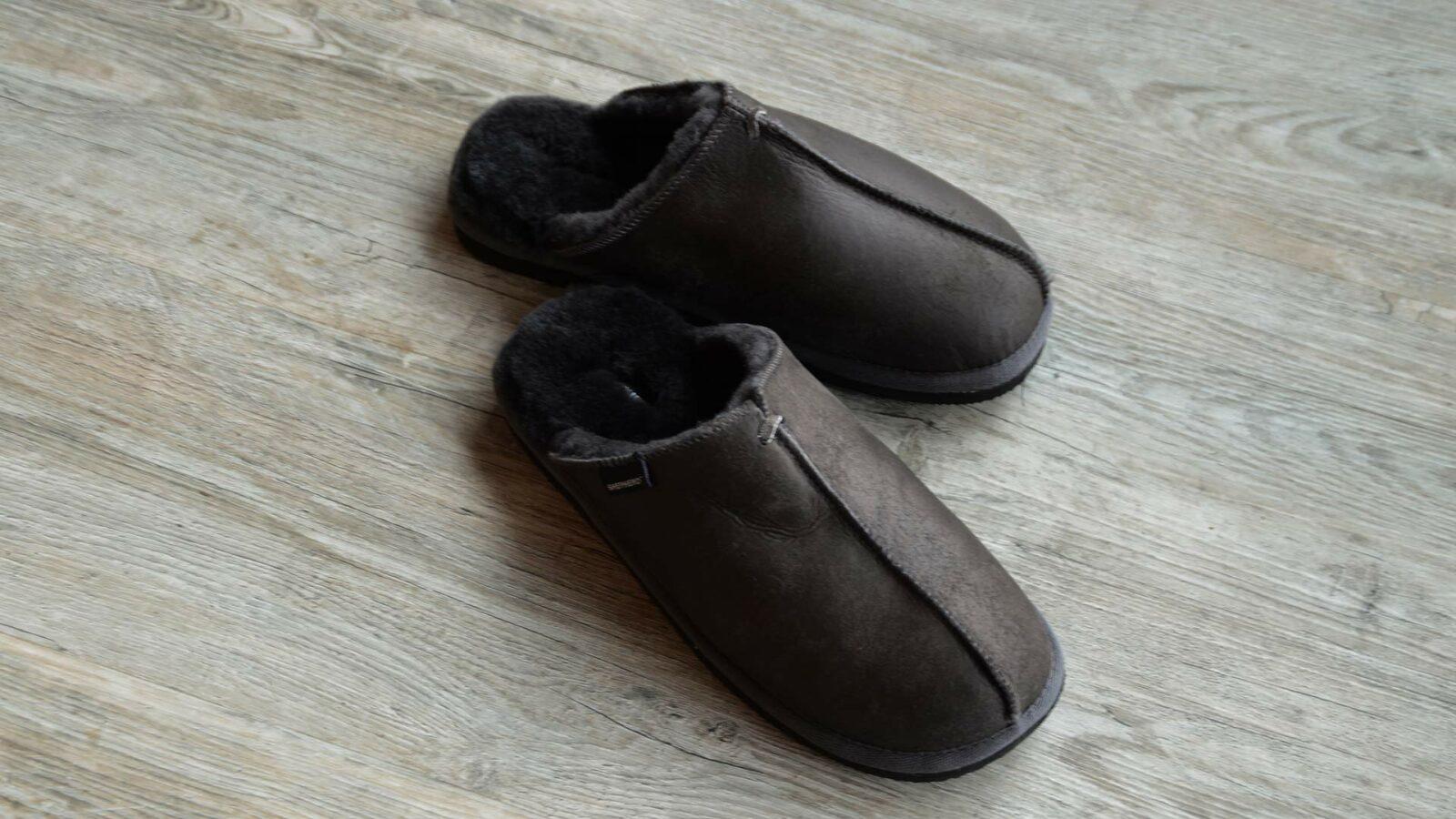 Deep brown men's sheepskin slippers