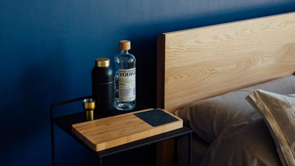 bedside-trolley-with-chopping-board