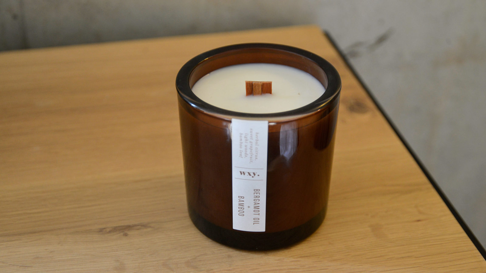 bergamot-oil-and-bamboo-candle wood-wick candle