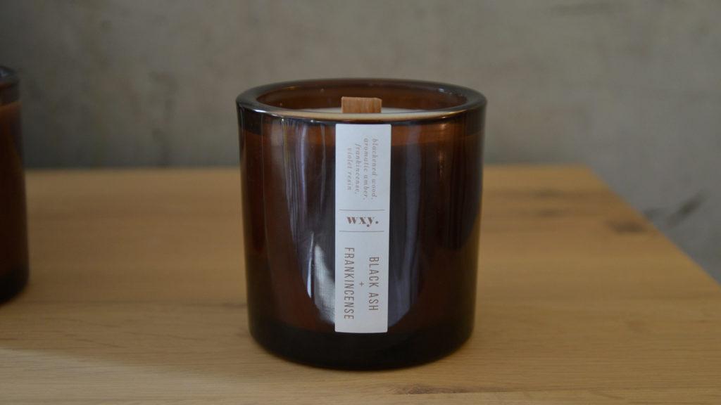 wood wick candle - black ash