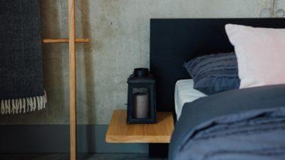black-oak-Kulu-bed-oak-side-table