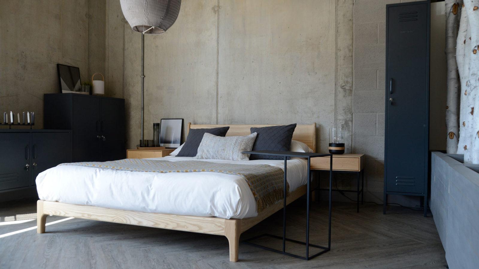 Industrial bedroom look - pale ash low bed with dark grey storage lockers