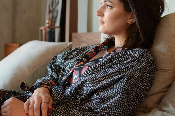 black-sprig-pattern-kimono