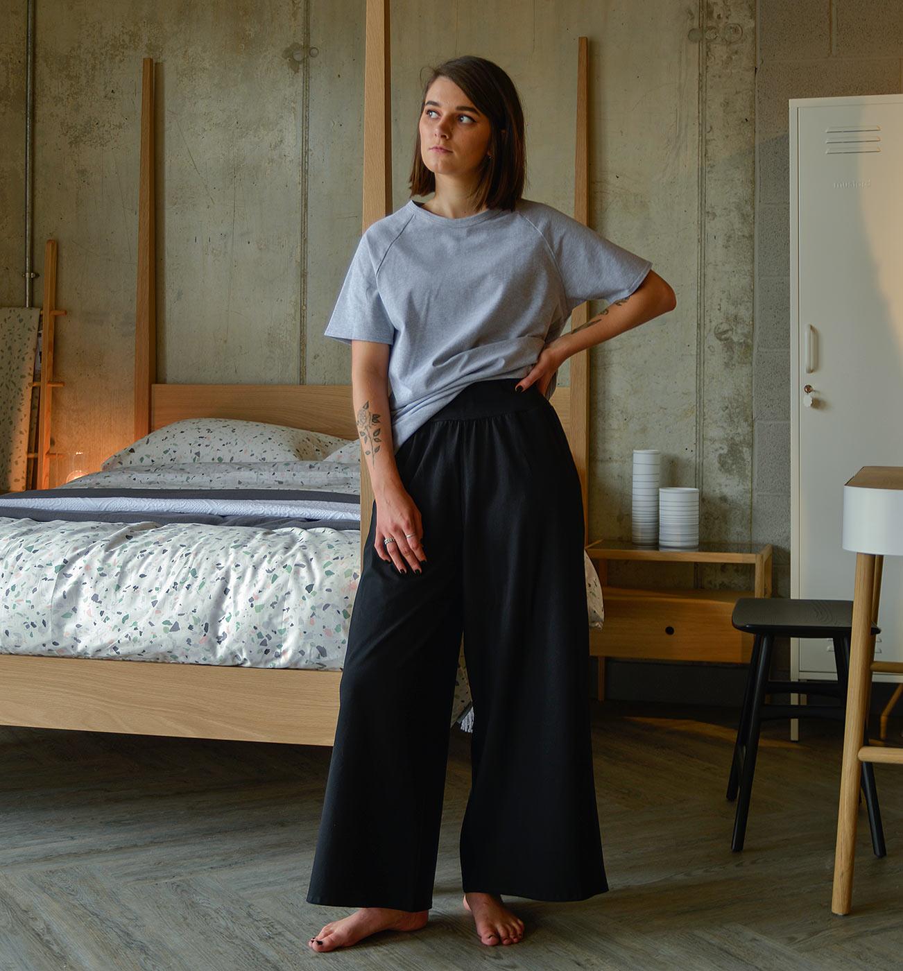 black-wide-leg-pants-and-grey-marl-T
