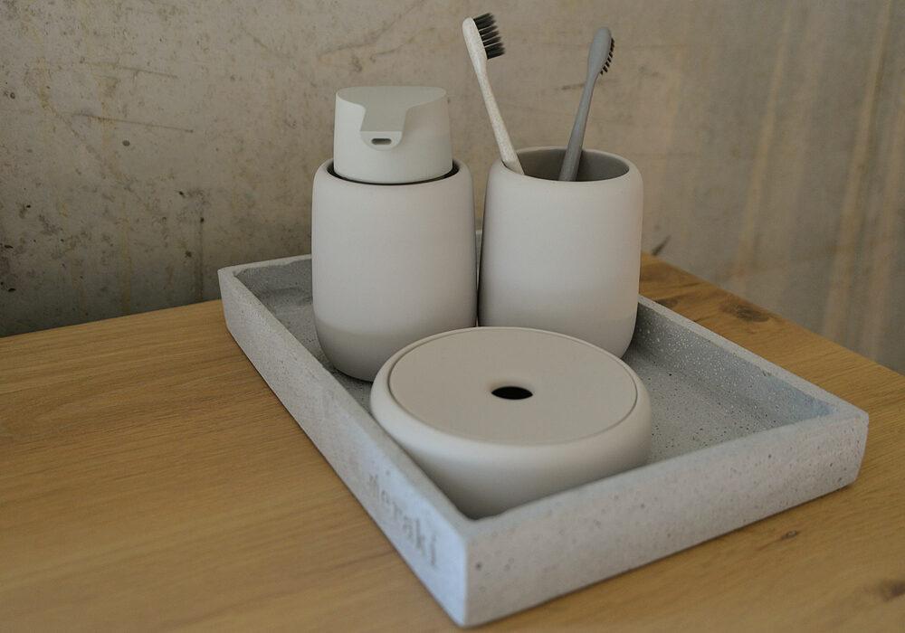 bathroom-accessorie-set-blomus-pale-clay