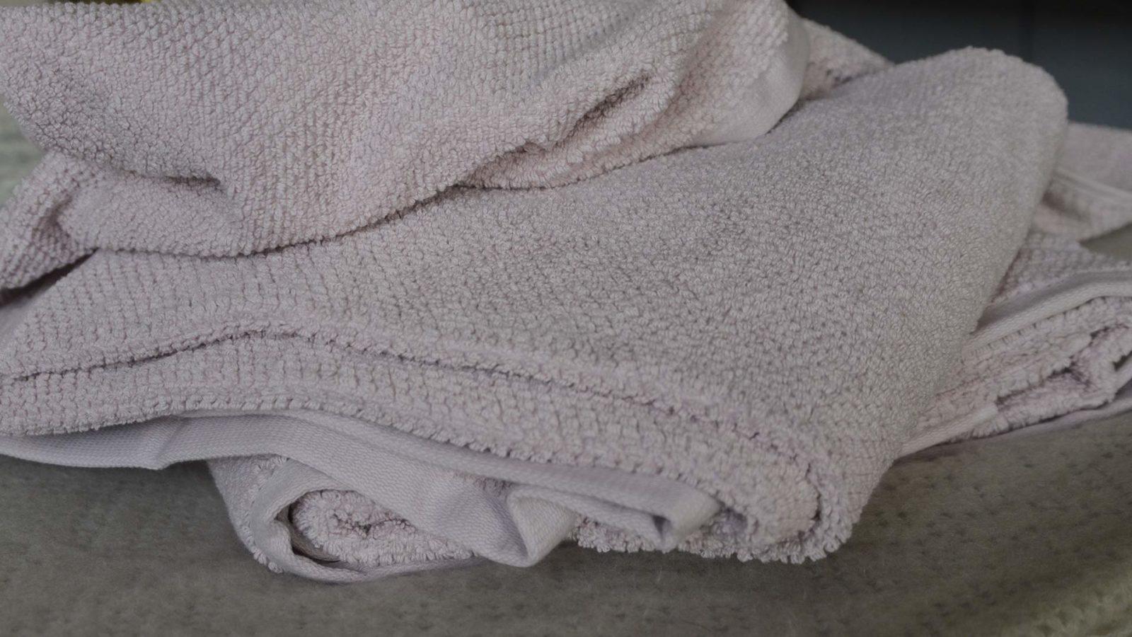 blush-pink-textured-towels