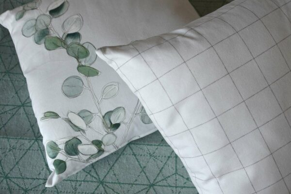 botanical-print-reversible-cushion