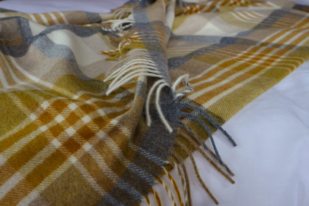 Melbourne Design Throw in Gold & Grey Check