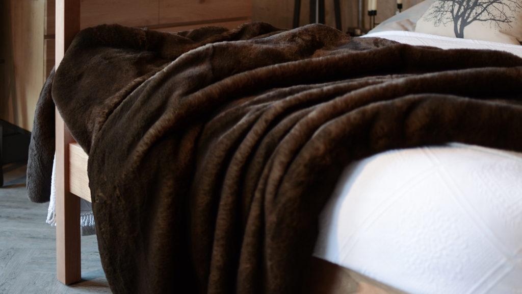 brown bear faux fur bedspread
