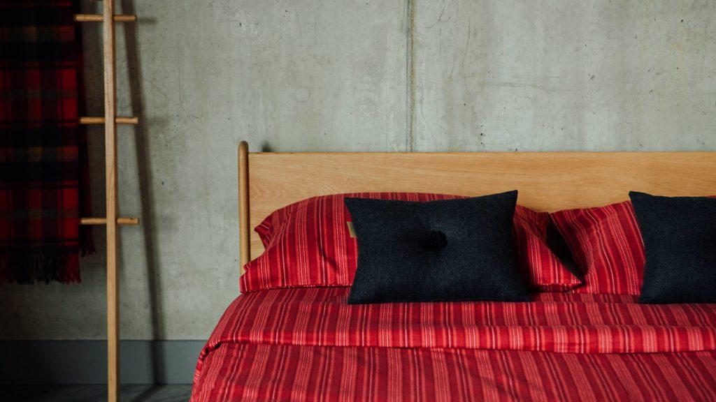 brushed-cotton-red-stripe-duvet-set-detail