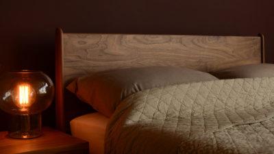 Mid-Century style Camden bed - Headboard in solid Walnut