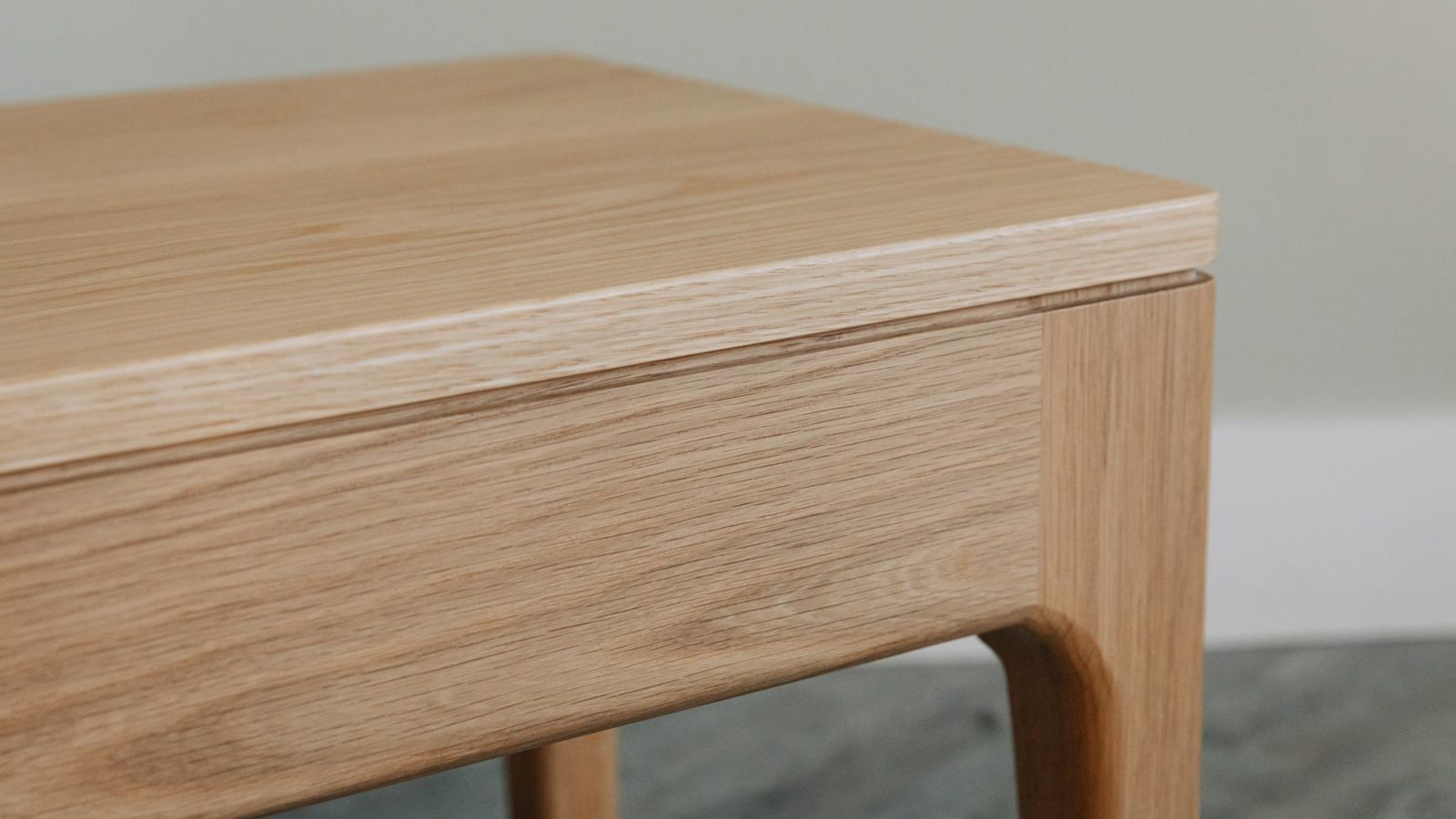 Hand crafted Camden wooden side table in oak - a detail view