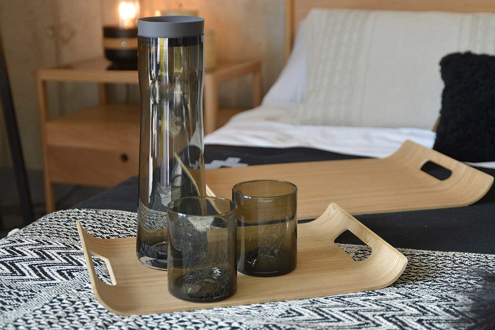 carafe-and-tumblers-on-curve-tray