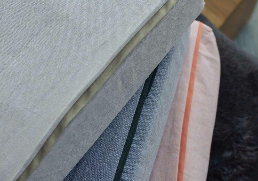 chambray-bedding-stack-ecru-grey-peach