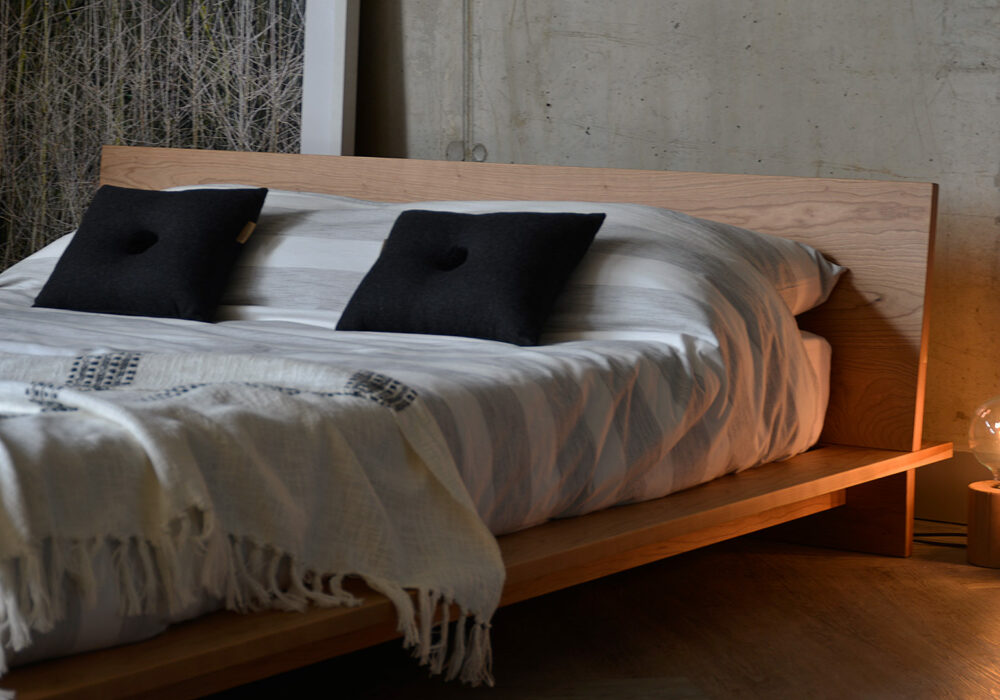 Low wooden platform bed - The Oregon, a closer view of the headboard detail
