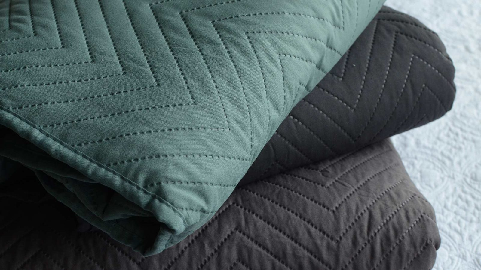 chevron-bedspreads-stack