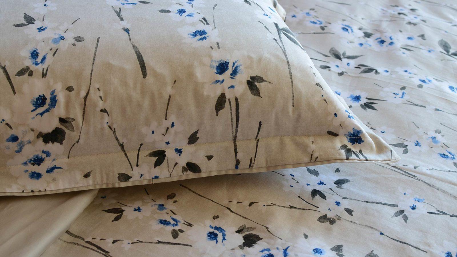 cornflower-floral print-bedding