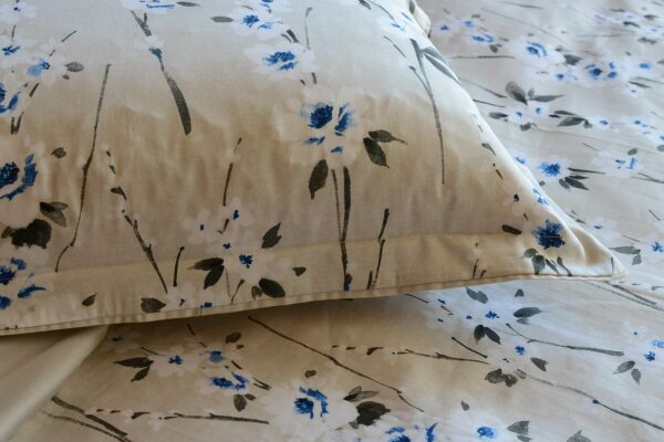 cornflower-floral print-bedding