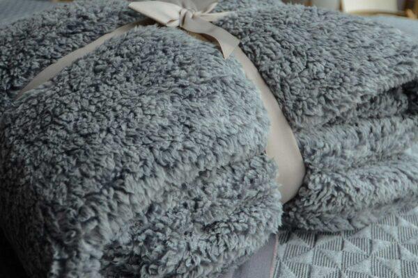 cosy-deep-fleece-throw