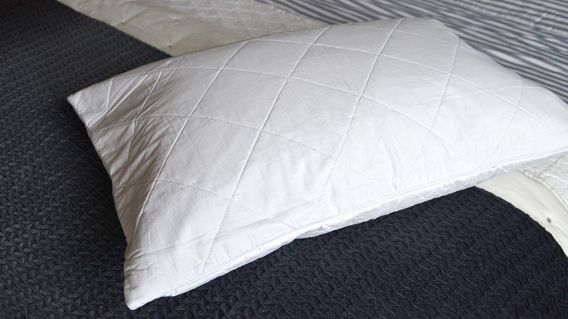 cotton-filled-pillow-protector