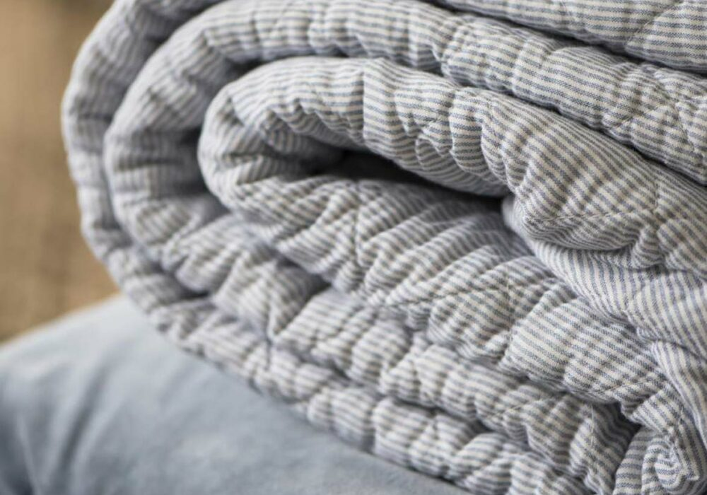 cotton-quilted-throw-grey-stripes