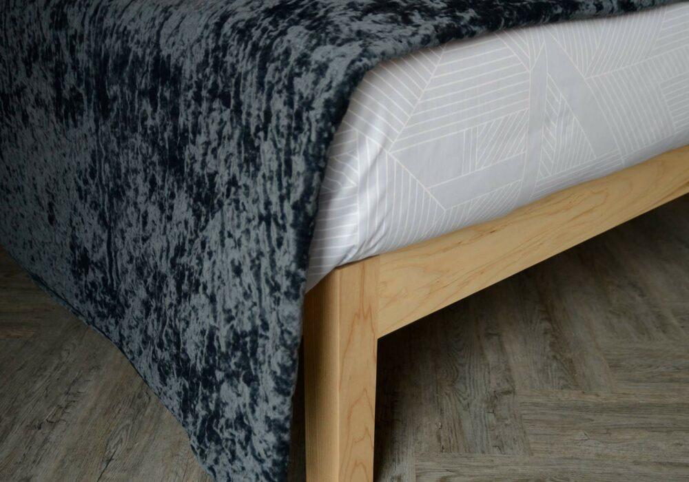 crushed velvet blue/grey bedspread