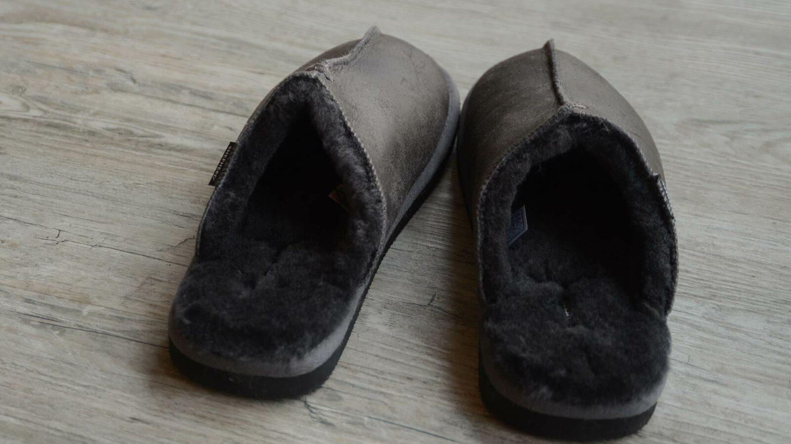 dark grey/brown cosy sheepskin slippers
