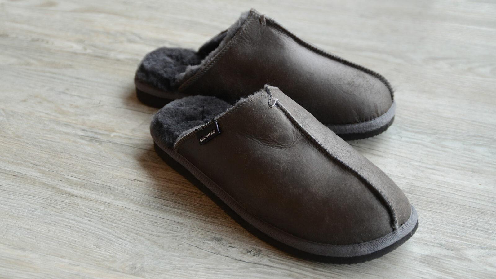 Brown cosy sheepskin slippers for men