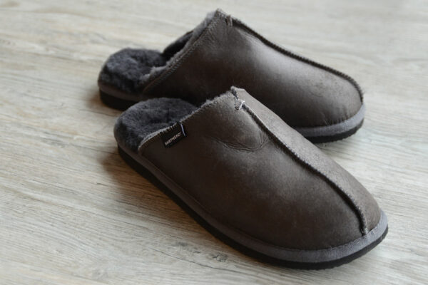 Brown cosy sheepskin slippers for men