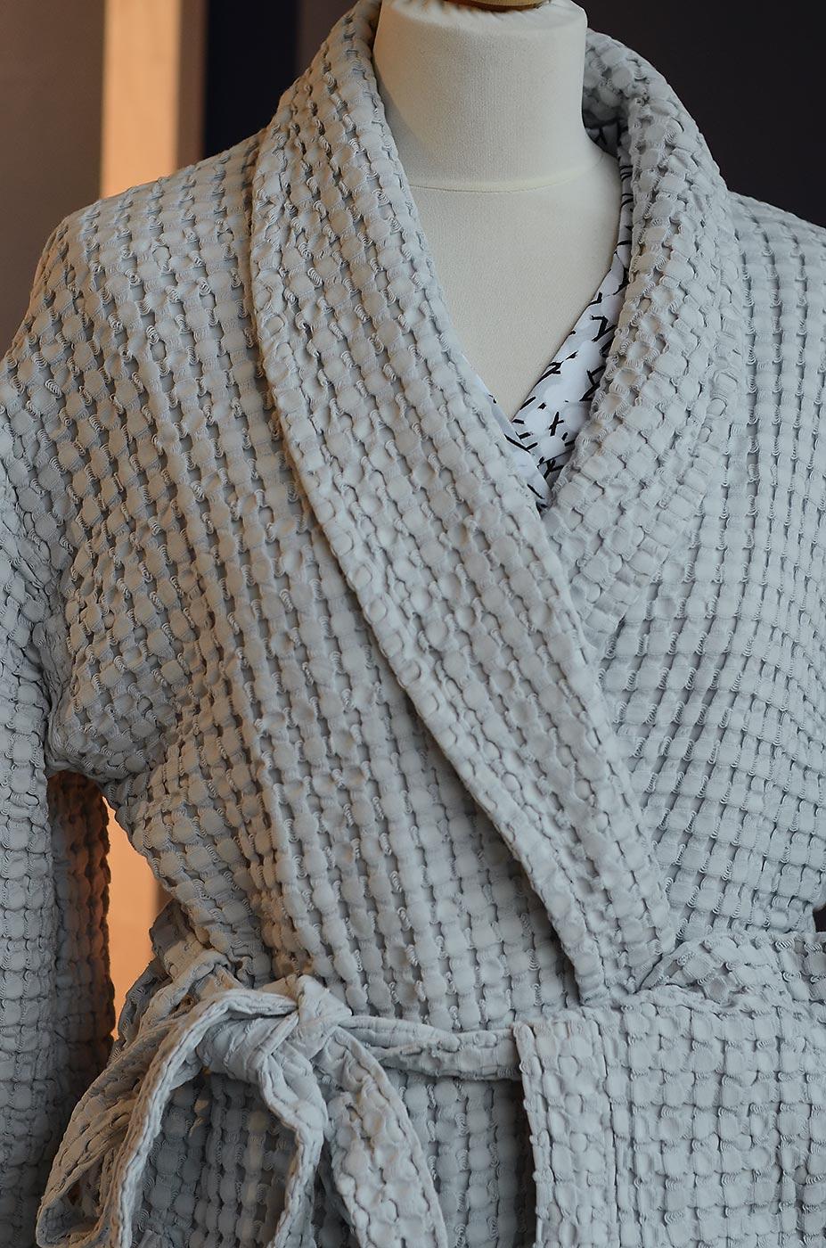deep-waffle-robe-silver-grey-tie-detail