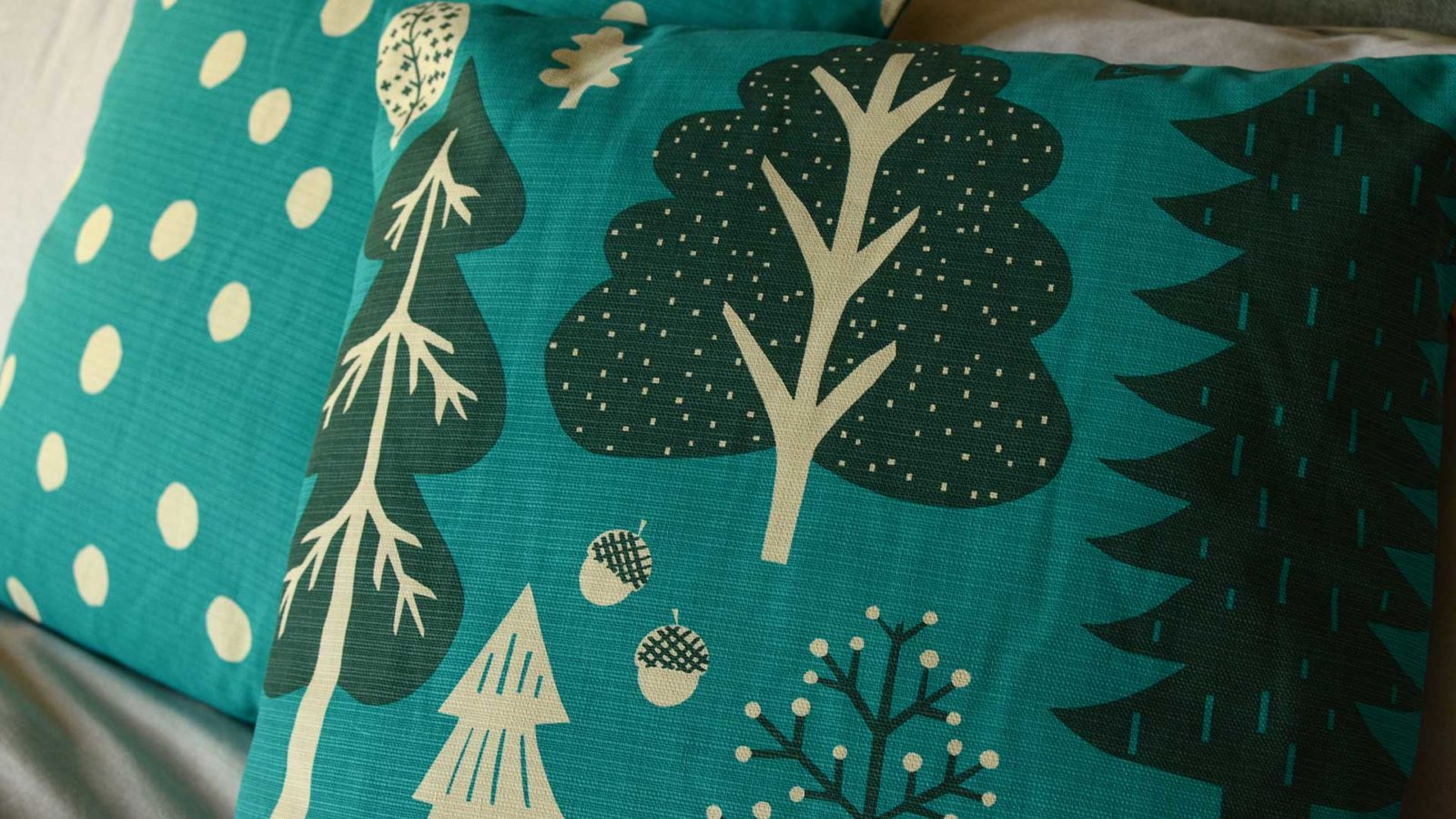 donna-wilson-cushion-Forest-turquoise