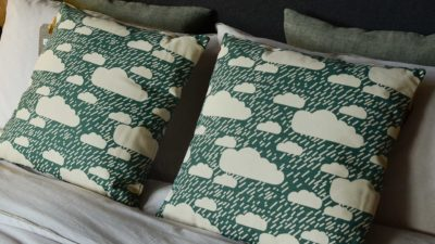 donna-wilson-cushion-rainyday-deep-green