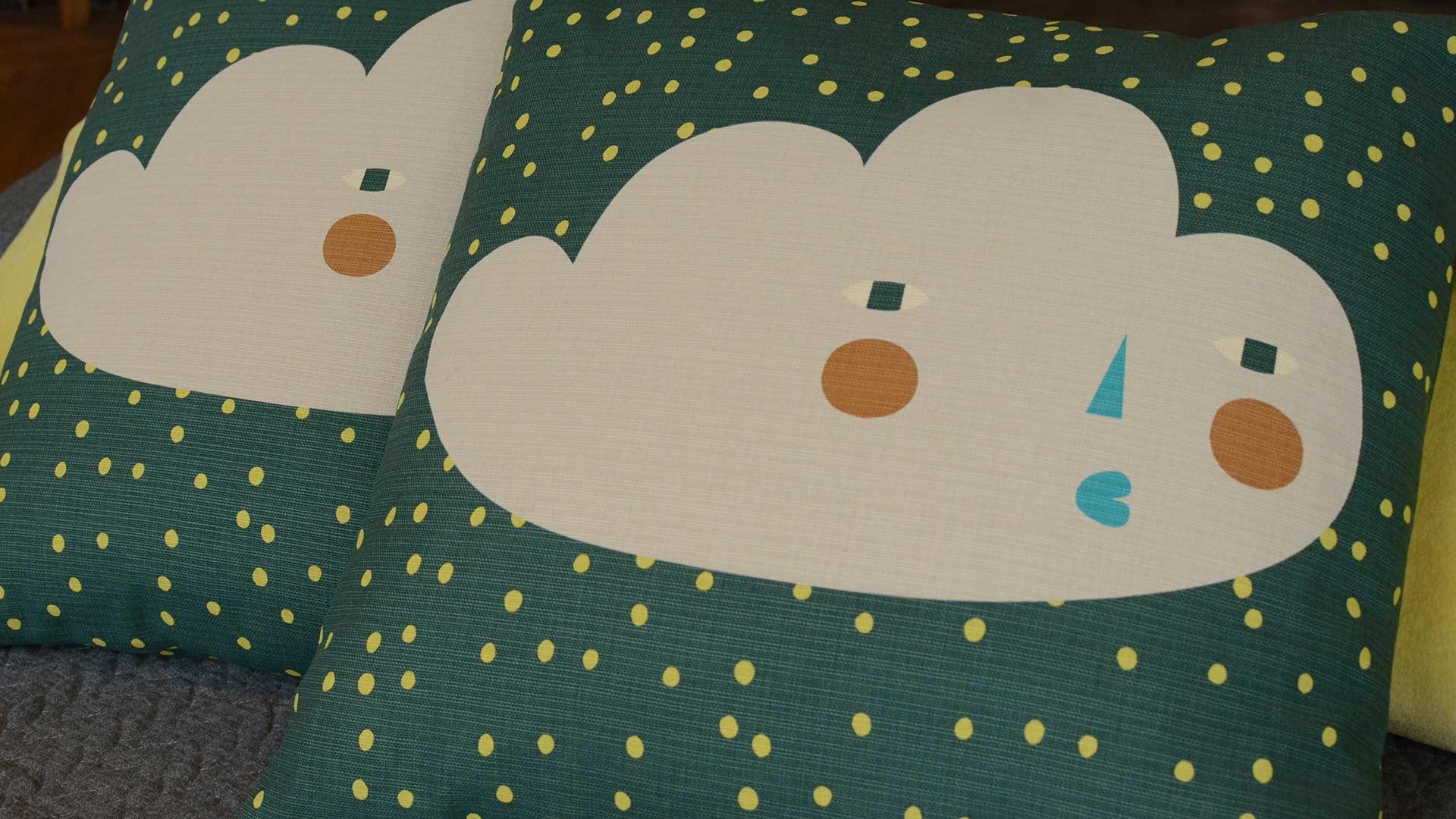 donna-wilson-cushions-cloudy-face